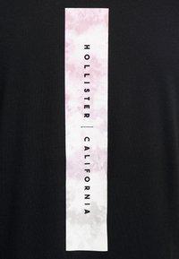 Hollister Co. - WIDE BOX  - Print T-shirt - black - 3