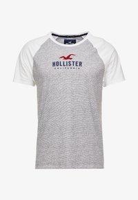 Hollister Co. - COLORBLOCK CORE TECH LOGO  - Triko spotiskem - grey - 3