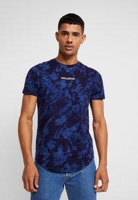 Hollister Co. - SCRUNCH BOX LOGO - T-shirt print - navy pattern - 0