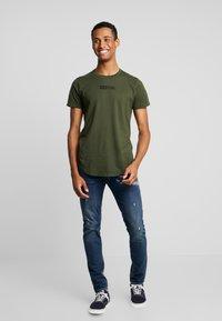 Hollister Co. - SCRUNCH BOX LOGO - Camiseta estampada - green - 1