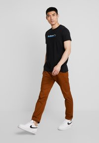 Hollister Co. - OMBRE - T-shirt imprimé - black - 1
