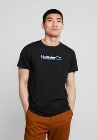 Hollister Co. - OMBRE - T-shirt imprimé - black - 0