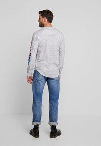 Hollister Co. - JUNE OMBRE SLEEVE HIT - Bluzka z długim rękawem - grey - 2