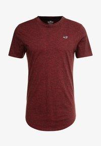Hollister Co. - CURVED HEM - Basic T-shirt - burg - 4