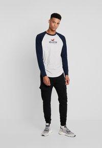 Hollister Co. - TECH LOGO - Long sleeved top - grey/navy - 1