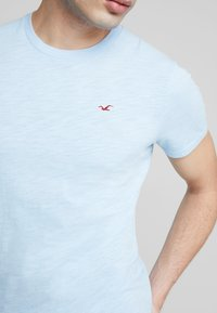Hollister Co. - CREW - T-shirt basic - navy - 3