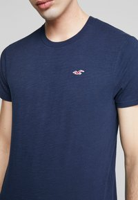 Hollister Co. - CREW - T-shirt - bas - navy - 3