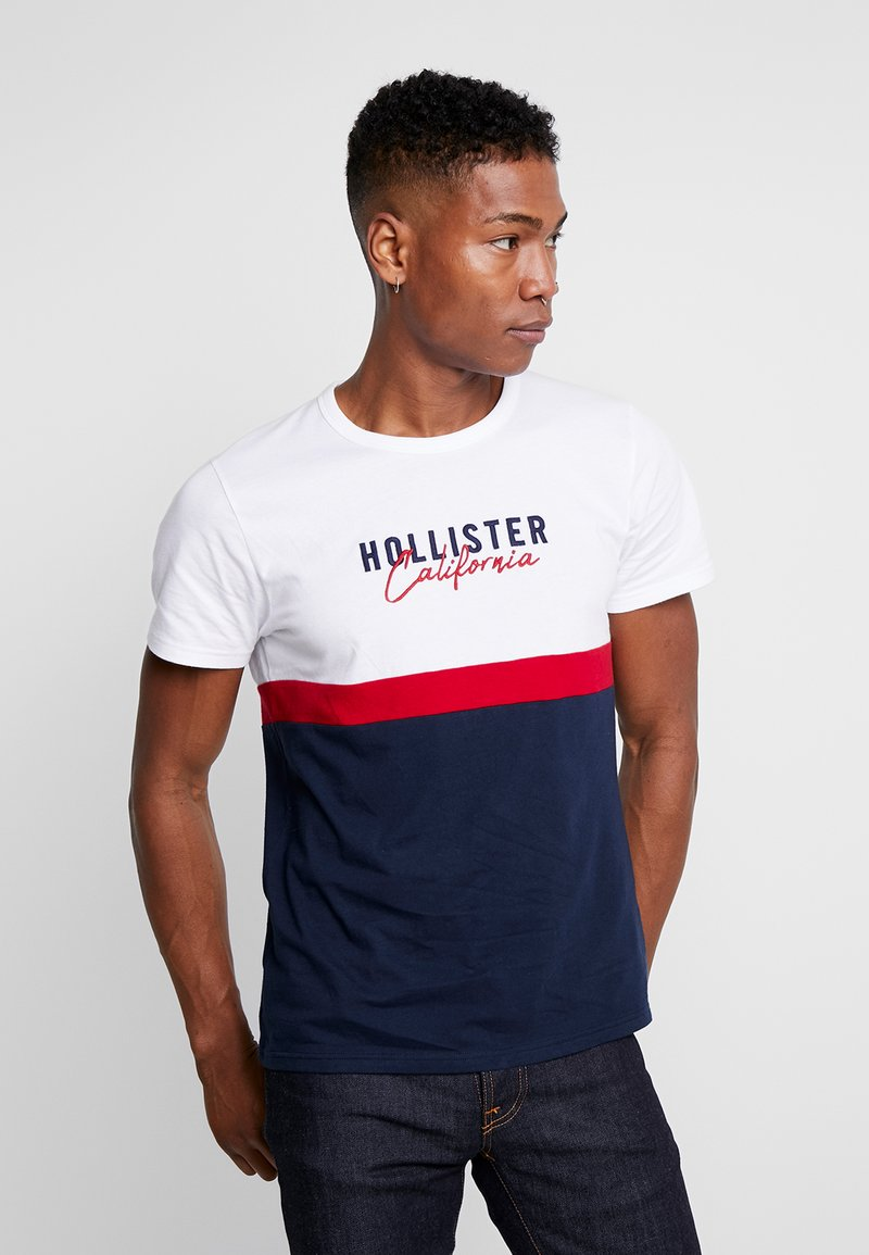 Hollister Co. - ICONIC CORE TECH LOGO  - T-shirt print - white/red/navy