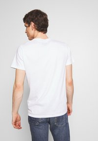 Hollister Co. - CORE TECH LOGO - Camiseta estampada - white - 2