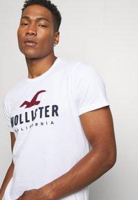 Hollister Co. - CORE  - T-shirt imprimé - white - 3