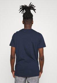 Hollister Co. - CORE - T-shirt imprimé - navy - 2