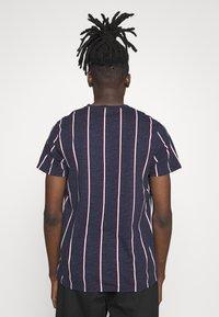 Hollister Co. - TECH LOGO STRIPES - Camiseta estampada - navy - 2