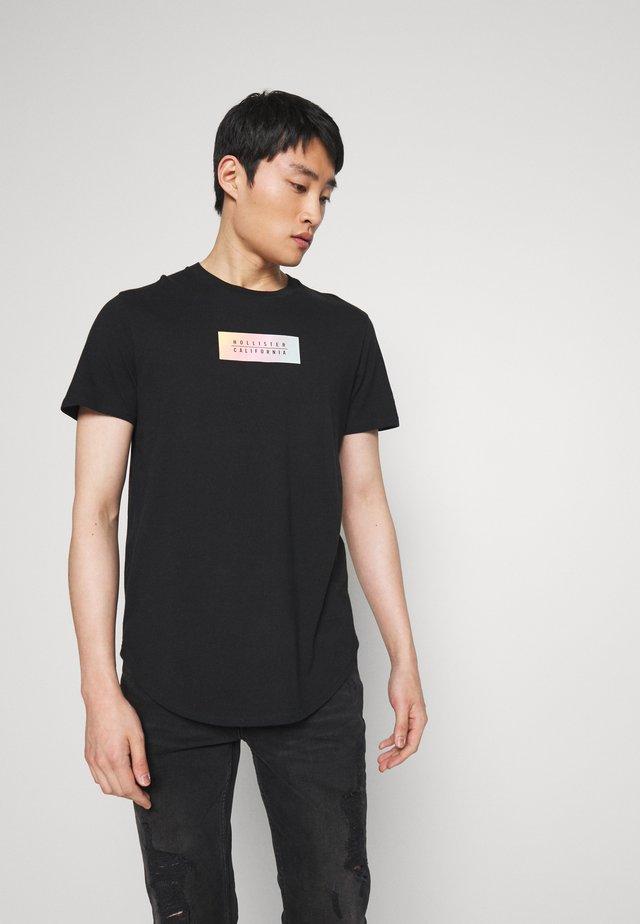 OMBRE PRINT LOGO  - Camiseta estampada - black