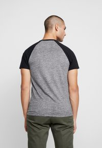 Hollister Co. - CREW RAGLAN  - T-shirt imprimé - grey - 2