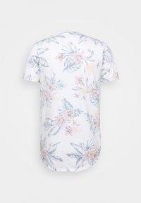 Hollister Co. - FLORAL SMALL SCALE - Camiseta estampada - white - 1