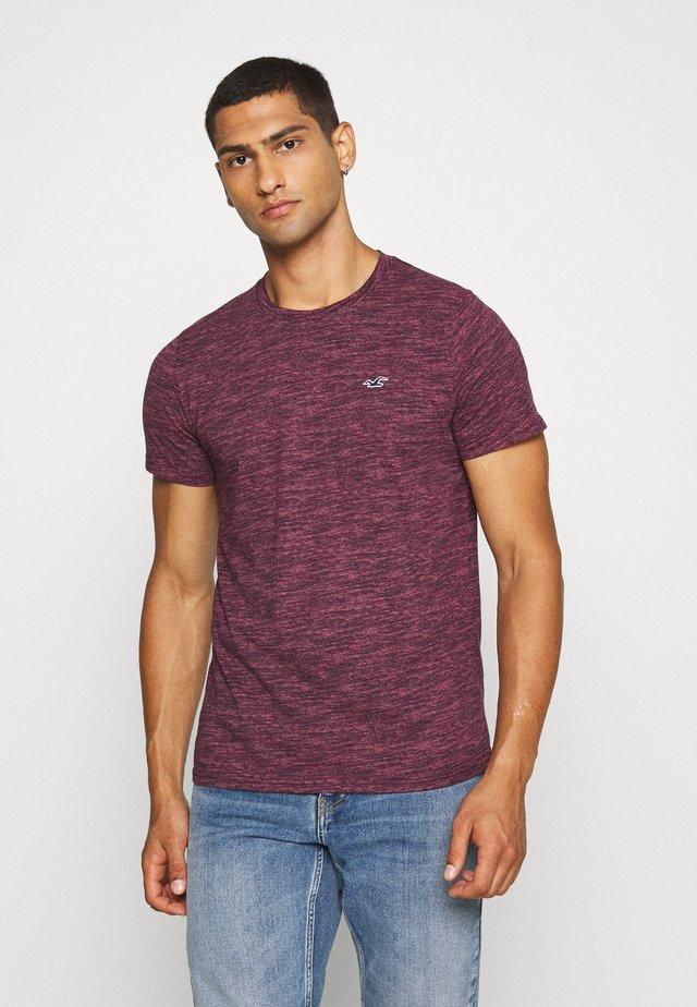 CREW - T-shirt med print - burg