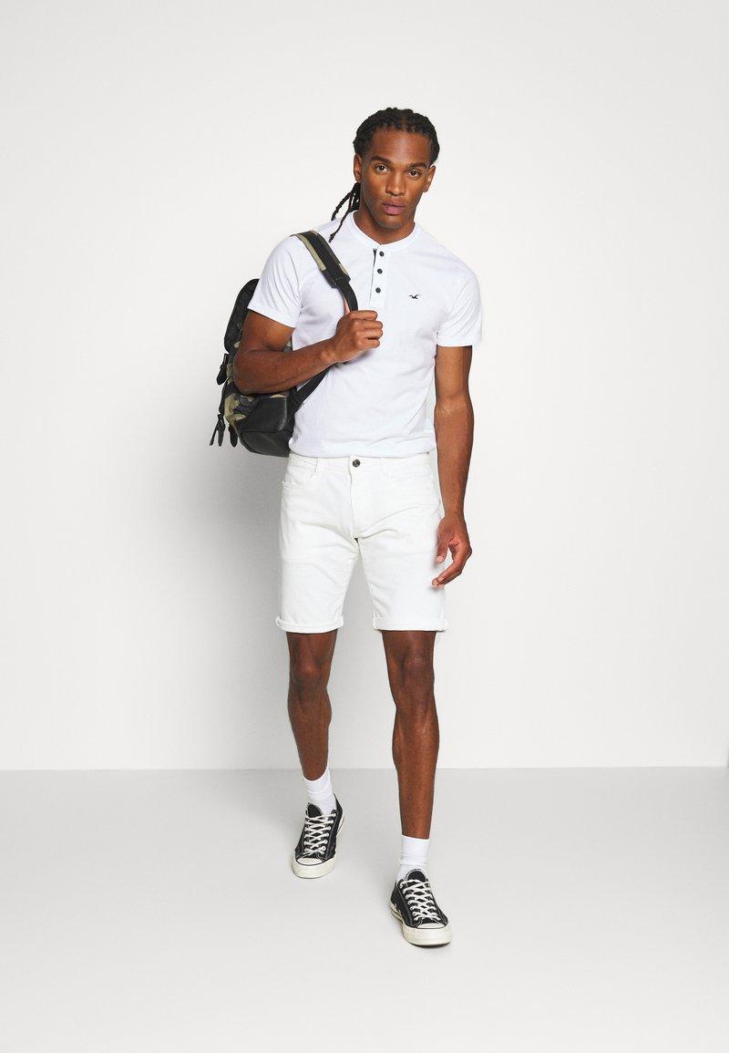 Hollister Co. - HENLEY 3 PACK - T-shirt basic - white/navy/black