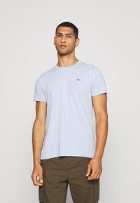 Hollister Co. - SEASONAL CREW 3 PACK  - T-shirt imprimé - blue - 4