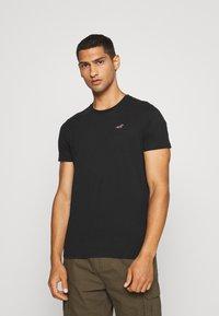Hollister Co. - SEASONAL CREW 3 PACK  - T-shirt imprimé - blue - 3