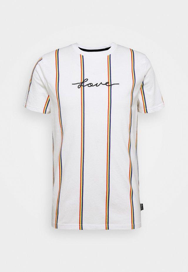 PRIDE SCRIPT LOGO - T-shirt med print - white