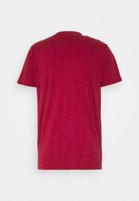 Hollister Co. - SCRIPT LOGO  - Camiseta estampada - red - 1