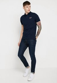 Hollister Co. - EXPLODED ICON - Polo shirt - navy - 1