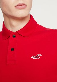 Hollister Co. - HERITAGE MUSCLE SOLID - Polo - red - 4