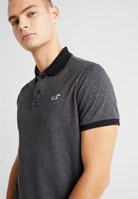 Hollister Co. - HERITAGE SLIM - Polo - black - 3