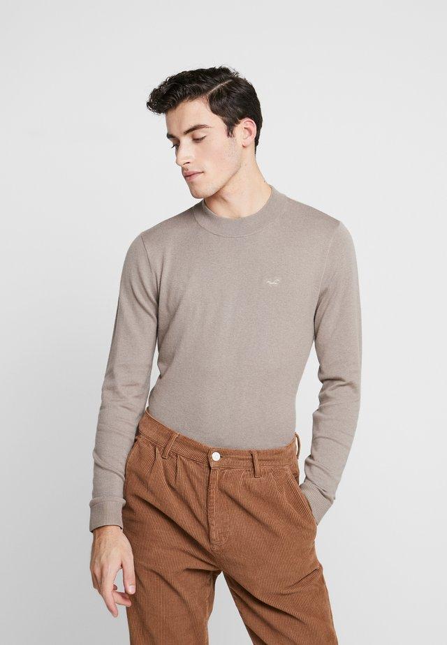 MOCK NECK  - Stickad tröja - tan