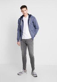 Hollister Co. - CORE ICON - veste en sweat zippée - textural navy - 1