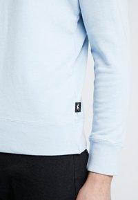 Hollister Co. - STRIPE & WASH SMALL CREW - Sweater - light blue - 4