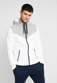 Hollister Co. - TOPPED - Zip-up hoodie - white - 0