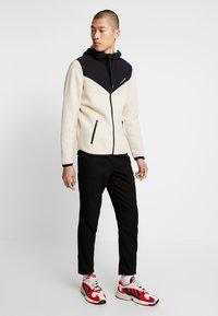 Hollister Co. - TOPPED - veste en sweat zippée - tan - 1