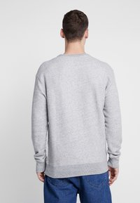 Hollister Co. - TECH LOGO CREW - Sudadera - grey - 2
