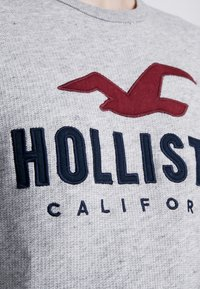 Hollister Co. - TECH LOGO CREW - Sudadera - grey - 5