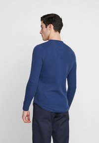 Hollister Co. - SCRUNCH CURVE HEM CREW - Svetr - solid navy - 2