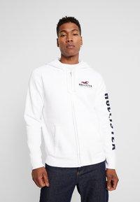 Hollister Co. - TECHNIQUE LOGO - veste en sweat zippée - white - 0