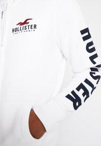 Hollister Co. - TECHNIQUE LOGO - Huvtröja med dragkedja - white - 5