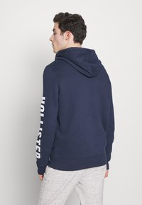 Hollister Co. - LIVED IN LEGACY LOGO  - Sudadera con cremallera - navy - 2