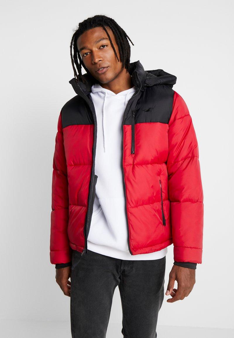 Hollister Co. - PUFFER HOOD  - Winter jacket - red