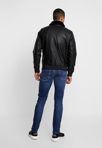 Hollister Co. - AVIATOR - Giacca in similpelle - black - 2