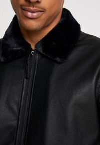 Hollister Co. - AVIATOR - Giacca in similpelle - black - 5