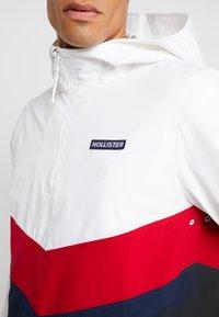 Hollister Co. - FASHION ANORAK  - Windjack - white - 6