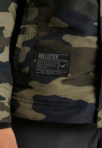 Hollister Co. - Veste mi-saison - olive - 6