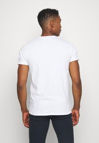 Hollister Co. - 3 PACK - Print T-shirt - white/grey/red - 2