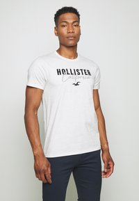 Hollister Co. - 3 PACK - Print T-shirt - white/grey/red - 4