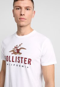 Hollister Co. - SHORT GIFTSET - Pyjama - red/black - 3