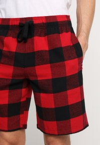 Hollister Co. - SHORT GIFTSET - Pyjama - red/black - 5