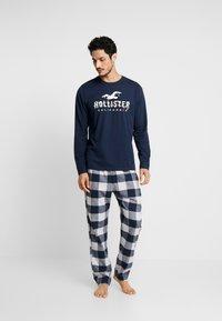 Hollister Co. - CLASSIC PANT GIFTSET - Pijama - navy/grey - 1