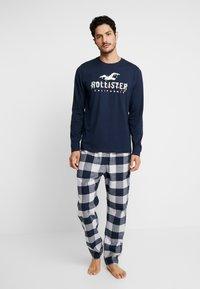 Hollister Co. - CLASSIC PANT GIFTSET - Pijama - navy/grey - 0